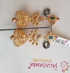 Jewelry Design Earrings, Gold Earrings Designs, Gold Jewellery Design, Gold Jewelry, Jhumka Designs, Gold Designs, Gold Bangles, Necklace Designs, Fashion Earrings