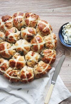 Our resident chef Jono Fleming is back and just in time for Easter!  He's got a delicious hot cross buns (more...)