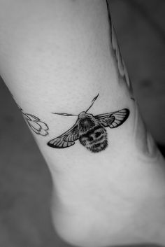 """Narrow Bordered Bee Hawk moth by Miss Rosa,via Flickr.Hannah Rosa writes: """"I am a Science teacher in Central London. My tattoo is part of the Ext-inked project and my endangered species is the narrow bordered bee hawk moth.I decided to sign up for the project as I have worked closely with endangered species in the field as part of my degree studies and understand the importance of closely monitoring and preventing the extinction of these species. I wanted to become a life long ambassador…"""