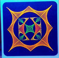 Geometrie 08 - Neon - fotografiert im UV Schwarzlicht - Doppelkarte mit Umschlag im Format 13,5 x 13,5 cm - Copyright des Motives: Ilka Gafert - fadengrafikshop.de
