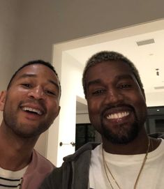 John Legend Says Kanye West Is Serious About Running for President - DIY and crafts Kid Cudi Kanye West, Kanye West Songs, Kanye West Style, John Legend, Kanye West Smiling, Arte Hip Hop, Jamel, Running For President, Yeezy