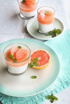 Chia pudding au lait de coco et gelée de pamplemousse
