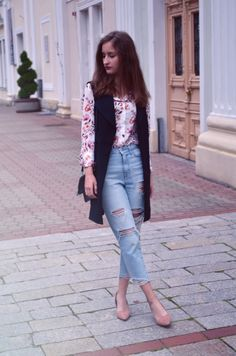 style, classy outfit, mom jeans, vest