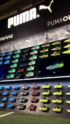 Shoe Store Design, Digital Retail, Puma Store, Clothing Store Interior, Retail Interior Design, Sports Footwear, Aesthetic Movies, Inspiration Wall, Furniture Layout