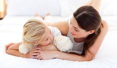 Descubre las 25 formas para preguntar a tu hijo y conseguir que te responda con algo más que Bien, Si o NO. Te sorprenderá lo fácil que es conseguirlo.