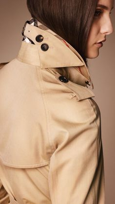 The Westminster - Mid-Length Heritage Trench Coat - In Honey Trench Coat Outfit, Trench Coat Style, Burberry Trench Coat, Topshop Outfit, Coats For Women, Clothes For Women, Beige Outfit, Men's Coats And Jackets, Fashion Details