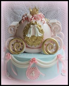 Cinderella carriage cake