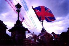 London-50th Anniversary of V.E. Day, May 8, 1995  Google Image Result for http://sixaroundtheworld.tripod.com/europe/uk/london/ve400x266.jpg