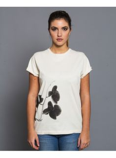 Orchidea - Outloop  Unisex Tshirt Made by 100% organic cotton jersey , Made in Italy, light serigraphy printing. Streetwear relaxed fit. #Streetwear #Organic #T-shirt #flowers