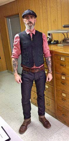 3Sixteen ST140x denim, Woolrich railroad vest, 1950's cork sole work boots, 1970's belt and buckle. And my grandpa's 1950's chain wallet.