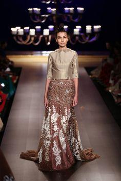 Lengha by Manish Malhotra at ICW 2014