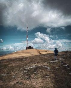 5 najkrajších výhľadov zo slovenských hôr, ktoré musíš tento rok navštíviť Cn Tower, Wind Turbine, Building, Travel, Viajes, Buildings, Destinations, Traveling, Trips