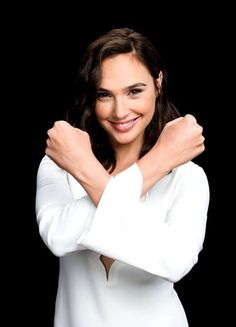 Hollywood hottie actress Gal Gadot beauty movie photos lovely style gorgeous wallpapers stunning looks wonder-woman images pics hd Beautiful Celebrities, Beautiful People, Beautiful Women, Beautiful Smile, Hollywood Actresses, Actors & Actresses, Gal Gardot, Gal Gadot Wonder Woman, Girl Crushes