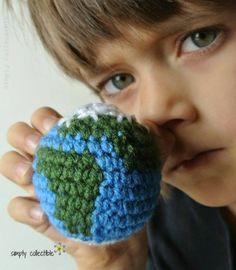 Crochet earth free amigurumi pattern from @SCCelinaLane✿⊱╮Teresa Restegui http://www.pinterest.com/teretegui/✿⊱╮