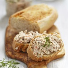 Stock Image: Backgrounds/Textures salmon and soft cheese spread on bread Smoked Salmon Pate, Smoked Fish Dip, Diet Recipes, Healthy Recipes, Eat Pretty, Portuguese Recipes, Healthy Cooking, Tapas, Food And Drink