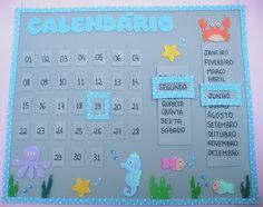 Painel Calendário em eva. Preschool Calendar, Preschool Math, Kindergarten, Busy Board, Class Decoration, Paper Toys, Learning Activities, Teaching Kids, Homeschool