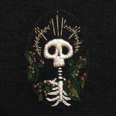 #macabre #mementomori #stiching #skeleton #cacti #fiberart #needlecraft…