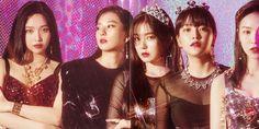 this is collab Seulgi, Kpop Girl Groups, Korean Girl Groups, Kpop Girls, Wendy Red Velvet, Red Velvet Irene, Park Sooyoung, Red Velvet Sofa, Red Velvet Photoshoot