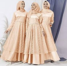 ❤ GRATIS ONGKIR SELURUH INDONESIA ❤  Dinara brukat dress gold @270rb  Bahan : satin velvet kombinasi brukat corneli dan mutiara Ukuran :  Lingkar dada : 105 cm  Panjang dress : 140 cm  Lebar bawah : 3 m pilihan warna : grey, gold, pink . . . . SUPER FAST RESPON : ADMIN 24 JAM ⬇⬇⬇⬇⬇⬇⬇⬇ WA : 085746884530 (Kaka) .  Format pemesanan :  Nama :  No hp : Alamat lengkap : List order : . .. . . @prilaga #like4like #follower #teamfollowback #prilaga #follows #followme #f4f #pleasefollowme #followbackalway Hijab Evening Dress, Hijab Dress, Dress Outfits, Dress Brokat Muslim, Muslim Dress, Kebaya Dress, Dress Pesta, Hijab Fashion, Fashion Dresses