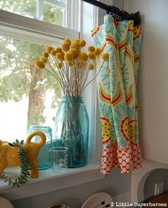 Boring to Blue Kitchen Makeover :: Hometalk - Regal Selber Bauen Kitchen Window Curtains, Kitchen Window Treatments, Yellow Kitchen Curtains, Kitchen Window Decor, Colorful Kitchen Decor, Blue Kitchen Decor, Kitchen Country, Farmhouse Curtains, Country Curtains