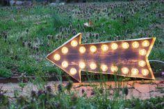 Marquee Light Arrow Distressed  22 Wide van MarqueeMoonShop op Etsy, $120.00