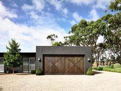 Lambris bois large en gris anthracite dans une maison d'architecte en Australie ! | Design intérieur | 25/29