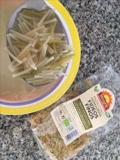 Sopa de caldo vegetal con fideos finos vegetales de Biogra.