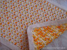 CROCHETANDO: TAPETES DE CROCHE EM BARBANTE - Tapete dupla face Baby Blanket Crochet, Crochet Baby, Knit Crochet, Crochet Home Decor, Floor Decor, Crochet Fashion, Crochet Stitches, Crochet Projects, Diy Crafts