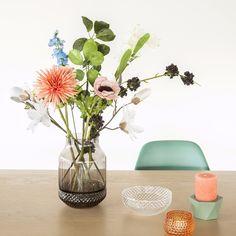 fonQ | Van deze vaas heb je dubbel plezier: het onderste gedeelte kun je gebruiken als schaaltje! #mooi #vase