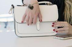 @Melania di Dressing and Toppings in un #look #black and #white indossa il #bracciale #candy