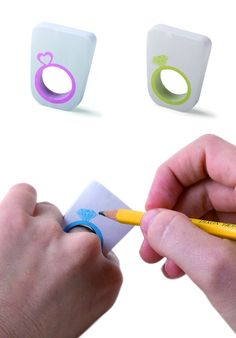 OMG! Ring sticky notes. Very cute.