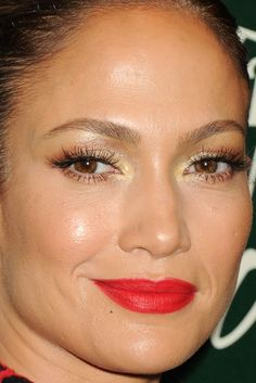 Close-up of Jennifer Lopez at the 2014 Variety Power of Women event. http://beautyeditor.ca/2014/10/13/variety-power-of-women-2014