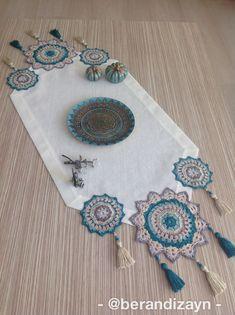 Crochet Mat, Crochet Table Runner, Crochet Doilies, Bobble Stitch Crochet, Crochet Stitches, Crochet Edging Patterns, Crochet Designs, Knit Vest Pattern, Crochet Ornaments