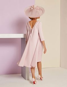 Supplier of the Day: Vanity Fair Mother Of Groom Outfits, Mother Of The Bride Fashion, Mother Of The Groom Clothes, Grooms Mother Dresses, Summer Mother Of The Bride Dresses, Mother Of The Bride Hats, Elegant Dresses, Beautiful Dresses, Mob Dresses
