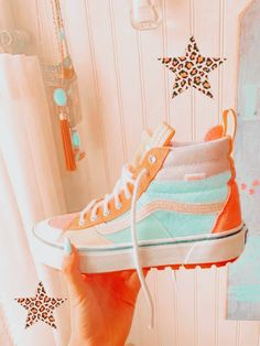 Peach Aesthetic, Aesthetic Shoes, Summer Aesthetic, Aesthetic Clothes, Estilo Nike, Vans Shoes Fashion, Swag Shoes, Cute Nikes, Nike Air Shoes
