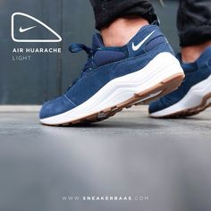 #huarache #huarachelight #sneakerbaas #baasbovenbaas  Nike Air Huarache Light - The blue edition of the Huarache Lights comes with a blue upper and a solid gumsole.  Now online available | Priced 129,95 Euro! | Size 40 EU - 46 EU.