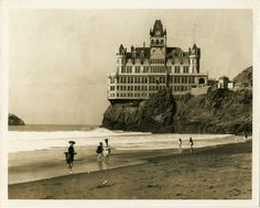 Vintage pic of the Cliff House Restaurant in San Francisco