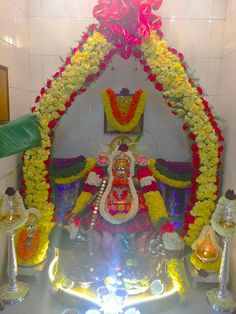 Lakshmi Blouse Patterns, Blouse Designs, Tulasi Plant, Pooja Room Design, Puja Room, Silk Thread Bangles, Plant Painting, Goddess Lakshmi, Indian Gods