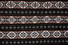 A TRUE traditional Fair Isle pattern, from the move.shetland.org website. Lovely!