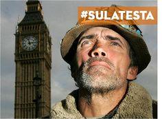 Brian Haw, pacifista, 1949-2011. Dieci anni passati davanti al Parlamento inglese per protestare contro le guerre in Afghanistan e Iraq. (non lo dimenticheremo! #sulatesta!)