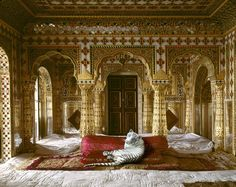 Photographer Karen Knorr Brings Indian Myths to Life | Yatzer    The Peacemaker, Chandra Mahal, Jaipur City Palace, Jaipur
