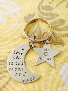 I love you to the moon and back keyring with Large Star We love Mom Dad Nana Grandma