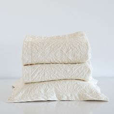 Off-white raised-design quilt and pillow cover - Quilts - Bedroom   Zara Home United States