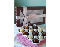 {create your own custom gift set with 6 of your favorite Cacao flavors}    We are proud to say that we were one of the first to take the lowly box mix cake balls and turn them into gourmet, artisan Cake Truffles. Our flavors have been perfected and will keep you coming back for more.    Shipping Details:  Our 24 piece boxes are packaged in an extra glamorous gift box with up to 6 of your favorite flavors.    Note up to 6 flavor choices at checkout:  Triple Chocolate  French Vanilla  Red…