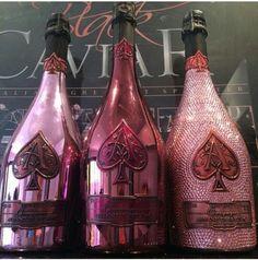 Spade Champagne, Champagne Drinks, Pink Champagne, Bedazzled Liquor Bottles, Bling Bottles, Ace Of Spades Rose, Armand De Brignac, Trippy Wallpaper, Glitter Wine