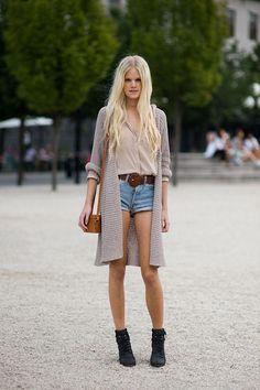 MY FASHION TRICKS: Street style: the long cardigan