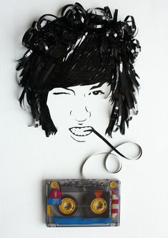 Erika Iris Simmons is a self-taught artist living in Georgia – US. She's specialized in non-traditional medias and her series of music tape portraits is for sure her best production till now.