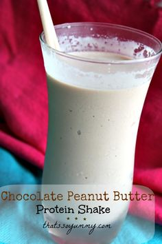 Chocolate Peanut Butter Protein Shake - add a frozen banana . I used and a little bit of cocoa with chocolate protein powder and unsweetened vanilla almond milk! Protein Smoothies, Juice Smoothie, Smoothie Drinks, Smoothie Recipes, Fruit Smoothies, Chocolate Almond Milk, Chocolate Peanut Butter, Chocolate Shake, Unsweetened Chocolate