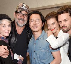 """dailytwdcast: """""""" Melissa McBride, Jeffrey Dean Morgan, Steven Yeun, Lauren Cohan and Austin Nichols attend AMC presents 'The Walking Dead' at New York Comic Con at The Theater at Madison Square Garden..."""