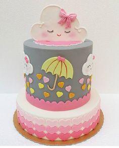 """Por Ali Fidalgo on Instagram: """"Bolo Chuva de Amor ! Por @monica.moriel . ☔️ #bolochuvadeamor #festachuvadeamor #cake #cakes #cakeart #cakedesign #instacake…"""" • Instagram"""